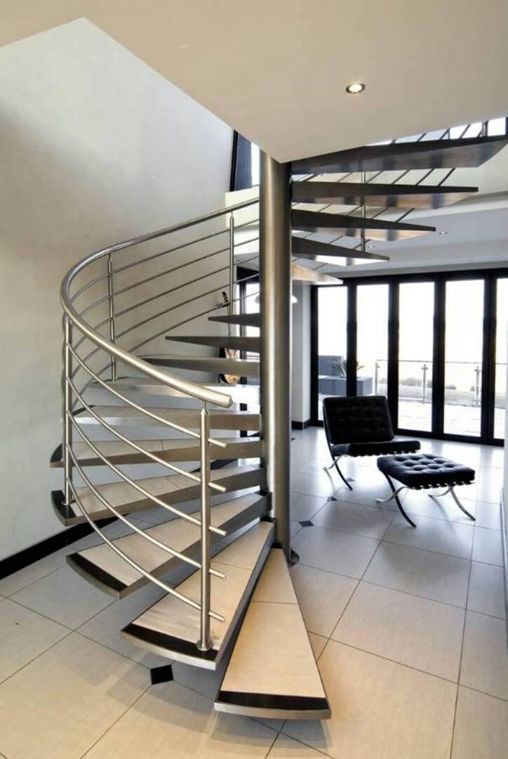 Staircas rail 1
